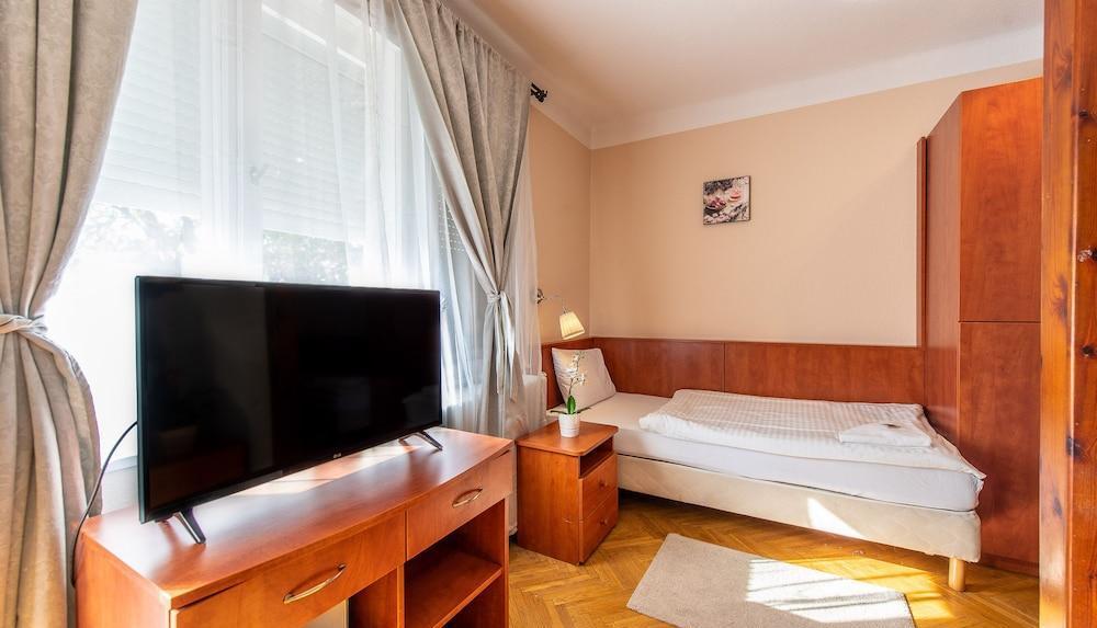 Korona Hotel Panzio 7 | 26