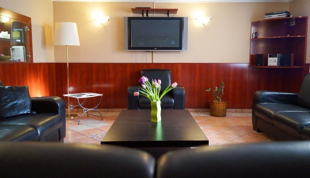 Korona Hotel Panzio 9 | 26