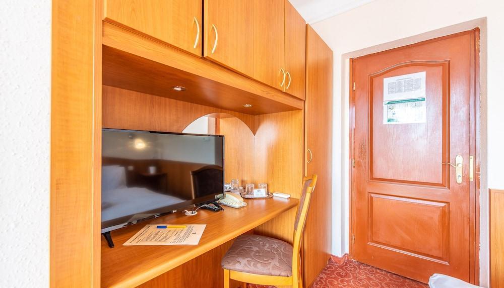 Korona Hotel Panzio 10 | 26